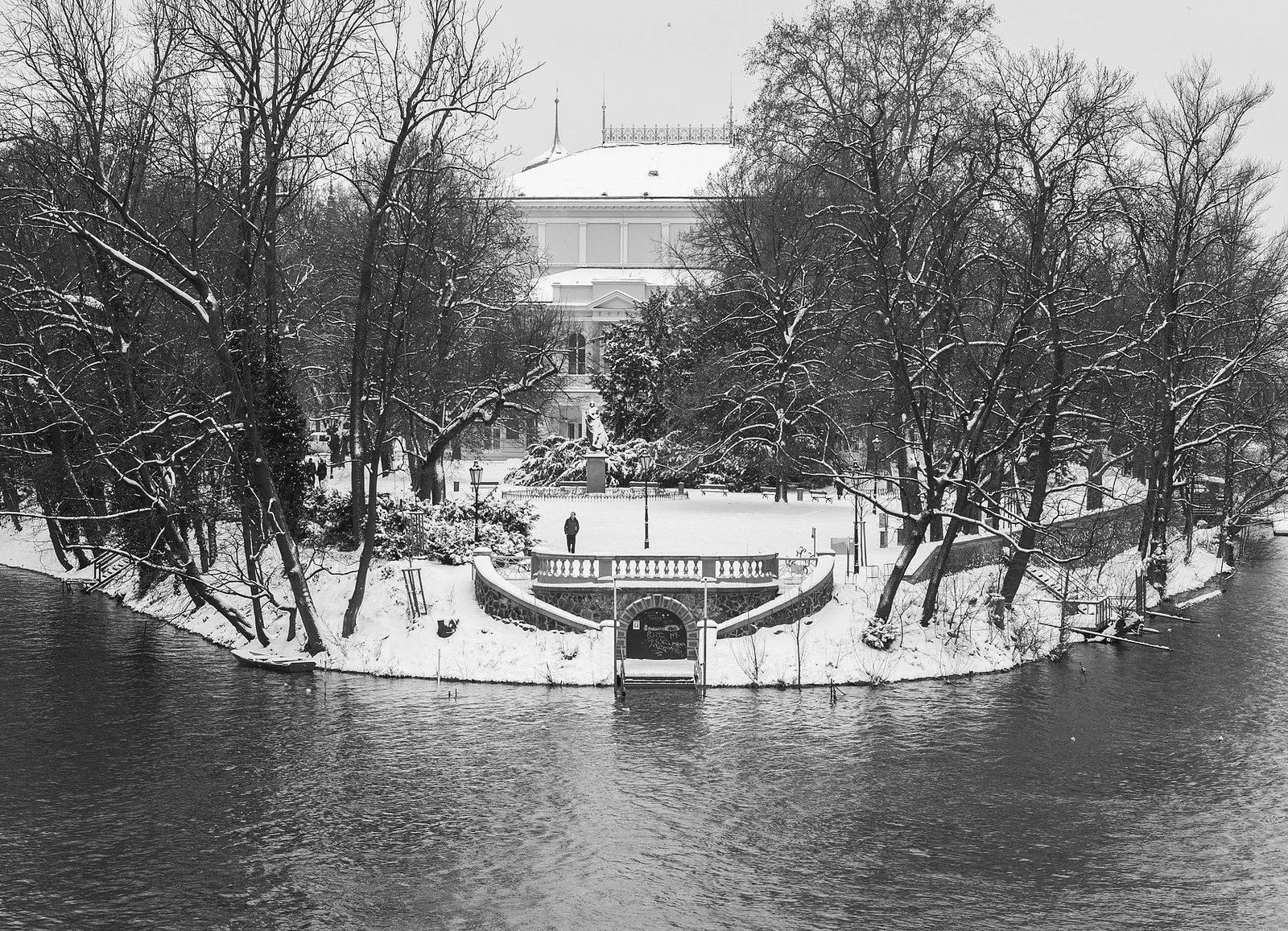 Черно-белый февраль